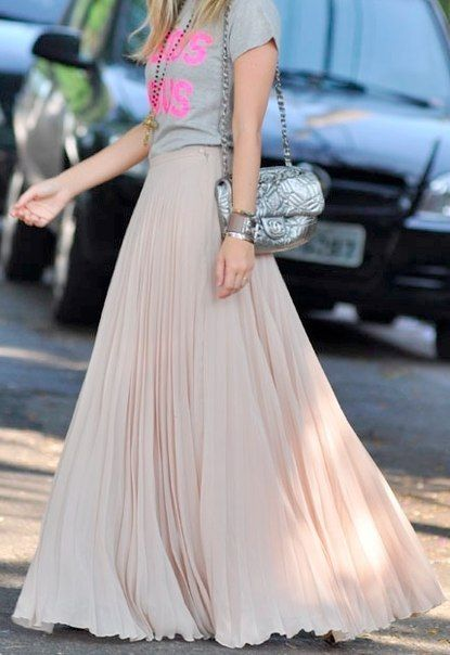 favorite spring look: full-length chiffon & tees: Tees Shirts, Chanel Bags, Style, Graphics Tees, Pleated Maxi, Long Skirts, Outfit, T Shirts, Maxi Skirts