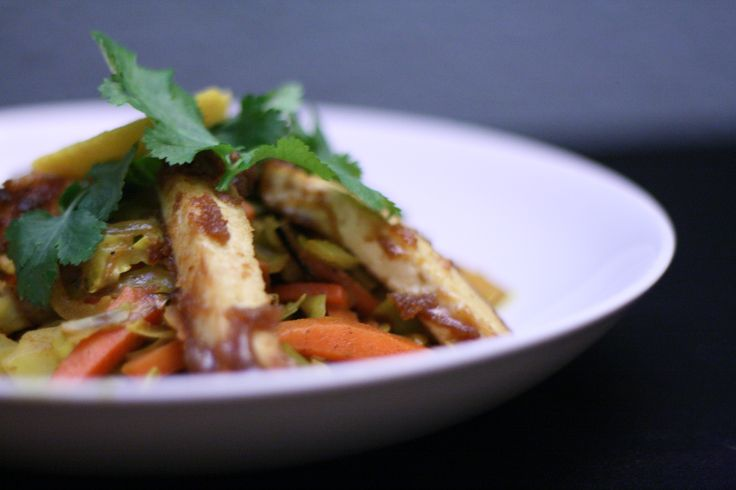 Root Vegetable and Cabbage Curry with Sticky Tofu Sticks, http://umlimaomeiolimao.wordpress.com/