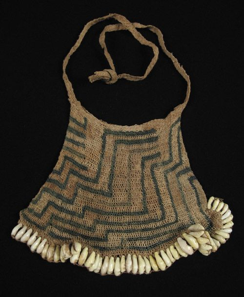This small ceremonial billum bag is from the Torrecelli Mountains of Papua New…