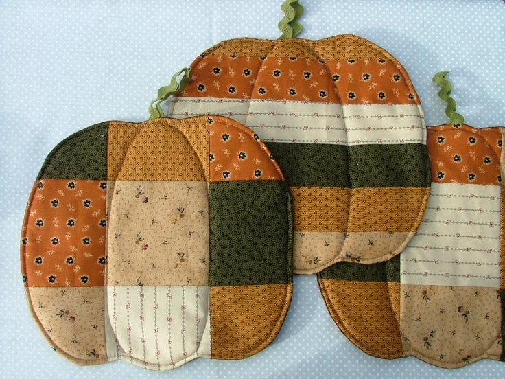 Pumpkin Pot Holders From Gathering Fabric Quilting
