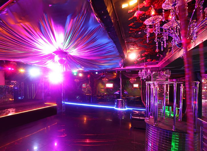 112 best studio 54 disco party theme images on pinterest for Decoration 70s party