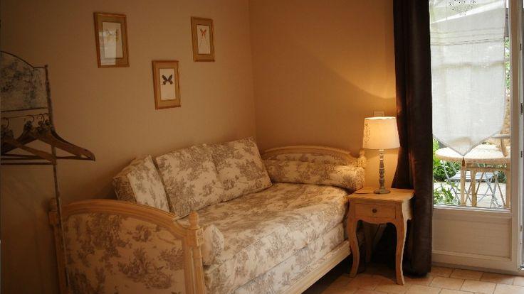 Location chambre d'hôtes Neige d'Avril 77 Brie comte Robert : La Lirencine