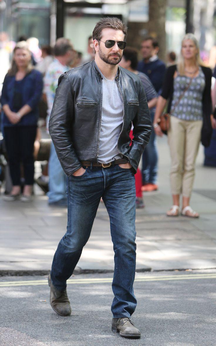 Bradley Cooper Hey, poli malote Cooper, buena combinación de grises en clave sport.
