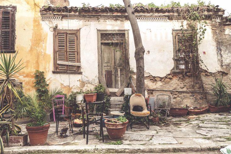 Anafiotika Athens travel blogger