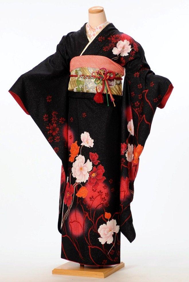 thekimonolady:  Gorgeous rental furisode (kimono for young, unmarried women)…