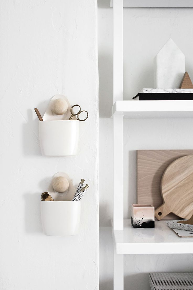 DIY: modern hanging organizers out of plastic lotion bottles