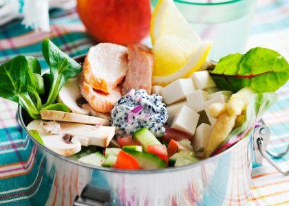 Sallad med rökt fisk och feta | MåBra - Nyttiga recept