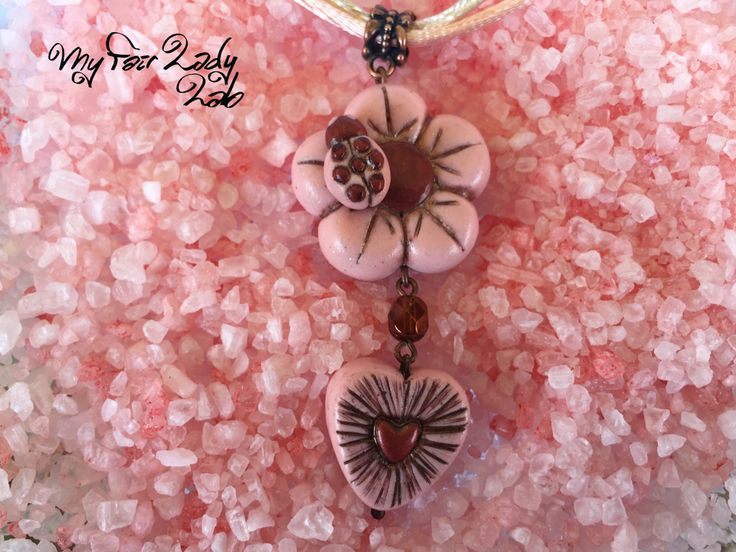 Medaglione Polymer clay Flower and heart in fimo