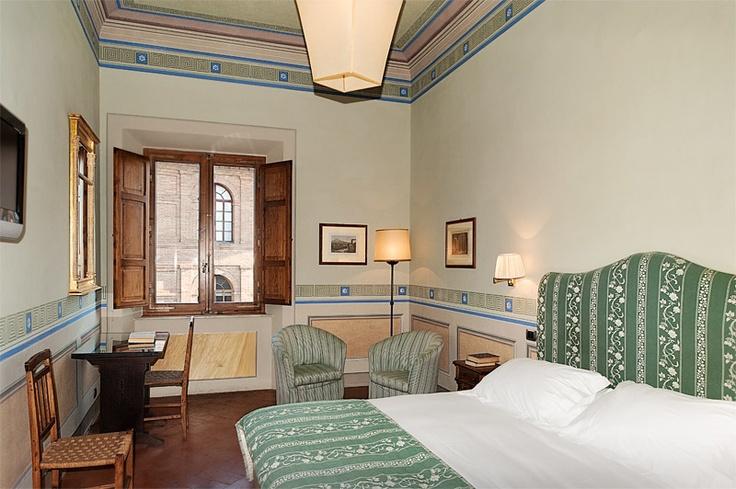 Italian interiors @ Residenza d'epoca Palazzo Ravizza (Siena).