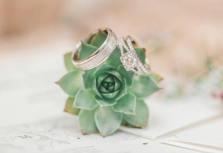 Diamonds and succulents. View the full wedding here: http://thedailywedding.com/2016/08/11/chic-gold-wedding-courtney-matt/