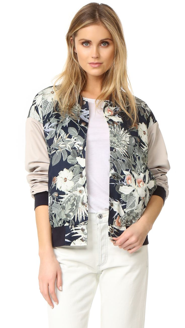 ¡Cómpralo ya!. James Jeans Oversized Varsity Jacket - Evening Hibiscus. A satin James Jeans bomber jacket with a floral print and contrast sleeves. Snap placket and welt front pockets. Ribbed edges. Lined. Fabric: Satin. 100% polyester. Dry clean. Made in the USA. Measurements Length: 24.5in / 62cm, from shoulder Measurements from size S. Available sizes: S , chaquetabomber, bómber, bombers, bomberjacke, chamarrabomber, vestebomber, giubbottobombber, bomber. Chaqueta bomber  de mujer   de…