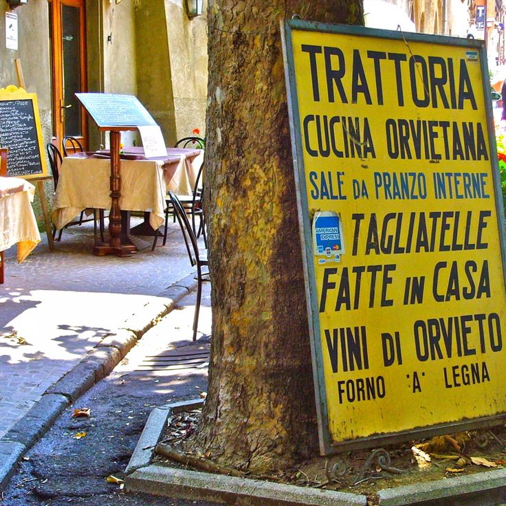 Lunchtime in Orvieto. Want to try the local specialties in this stunning hilltop town? Come along with Messenger Travel #orvieto #umbria #italy #italia #restaurant #ristorante #travel #experienceitaly #messengertravel