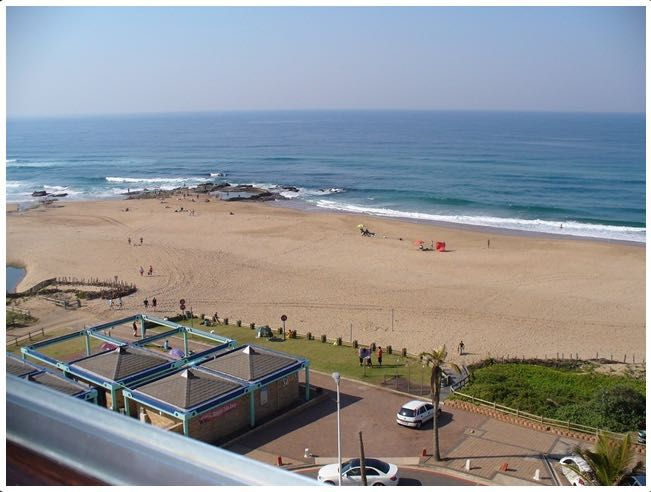 Warnadoone No 65 is a luxury self-catering two bedrooms and two bathroom holiday apartment with beautiful views overlooking the Indian Ocean. Sleeps 4-6.  See More: http://www.where2stay-southafrica.com/Accommodation/Warner_Beach/Warnadoone_No_65