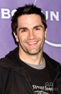 Samuel Witwer Hairstyle, Makeup, Suits, Shoes and Perfume - http://www.celebhairdo.com/samuel-witwer-hairstyle-makeup-suits-shoes-and-perfume/