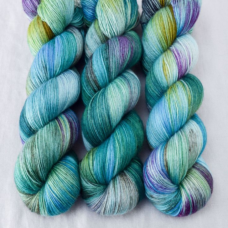 The Big Island 925 Yd - Katahdin - Wild Iris