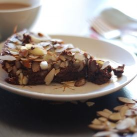 Chocolate gluten-free almond cake. Using almond meal and oat flour ...