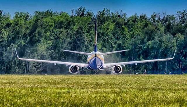 Comparateur de voyages http://www.hotels-live.com : Happy #humpday everyone Were halfway to the weekend  thanks to @t.kwietniewski1983 for this awesome picture of our #Boeing at #wroclaw  #ryanair #ryanairstories #avgeek #aviation #loveeurope #takeoff #fly #airport #airplane #travel #travelgram Hotels-live.com via https://www.instagram.com/p/BF1HskqPZzz/ #Flickr via Hotels-live.com…