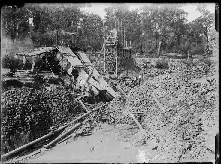 008620PD: Tin sluicing,Greenbushes, 1922 http://encore.slwa.wa.gov.au/iii/encore/record/C__Rb2090927?lang=eng