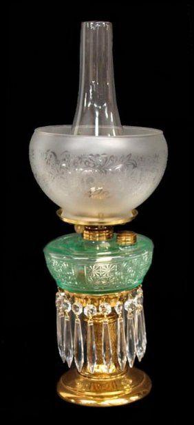 ANTIQUE VICTORIAN CRYSTAL PRISM BANQUET OIL LAMP : Lot 34