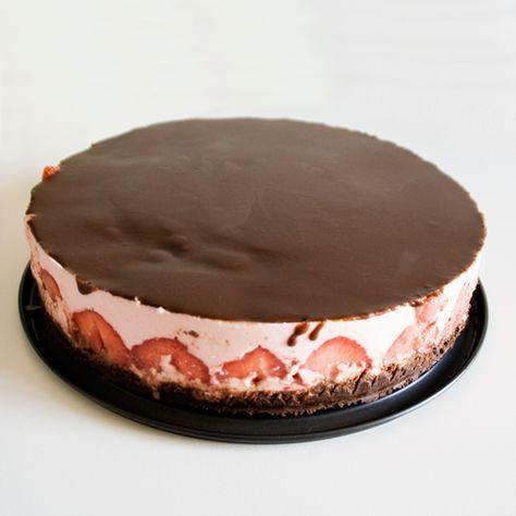 Koolhydraatarme aardbei chocolade cheesecake