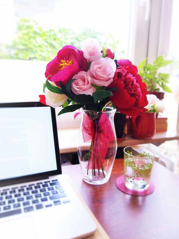 Gallery lifelike handmade crepe paper flowers amelis for Handmade paper creations