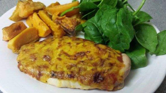 Looking for a tasty slimming world recipe that all the family will love? Try this super simple Slimming World Pizza Topped Chicken Recipe