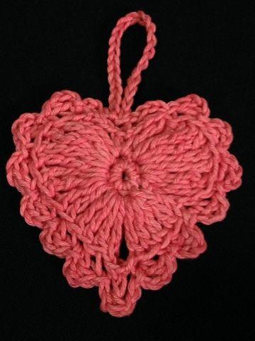 Free Crochet Pattern : Easy Crochet Heart  <3