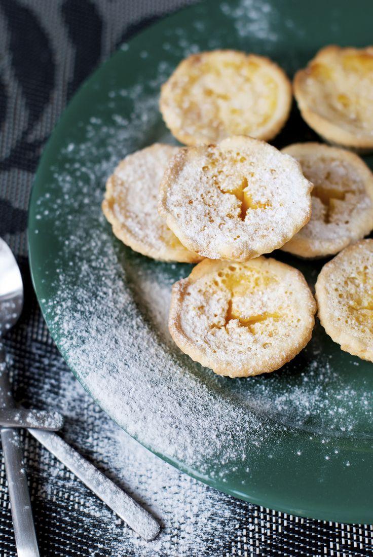 Citroencupcakes zijn lekker frisse cakejes die je naar hartelust kunt versieren. Yum! Verwarm je oven voor…