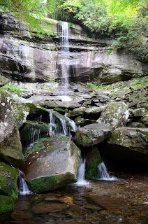 Gatlinburg, Tennessee Travel Guide: Hiking in the Great Smoky Mountains: Rainbow Falls Guide ** Hopefully we make it back to gatlinburg next year...