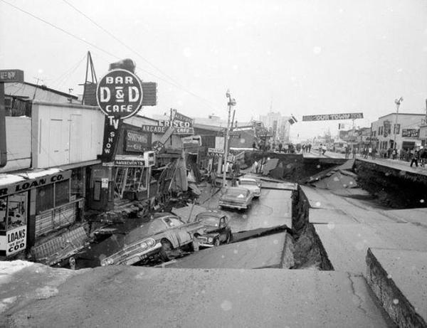 Анкоридж, Аляска после землетрясения 9.2 балла  27-го марта 1964