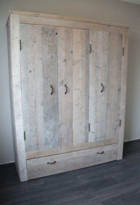 Nynke een stijlvolle 3-deurskast Splintervrij steigerhout! Keuze uit diverse maten. Indeling naar wens!