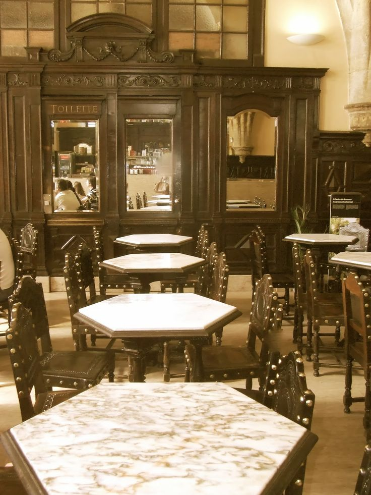Café Santa Cruz (Coimbra) Portugal. Un lugar mágico donde tomar un buen café