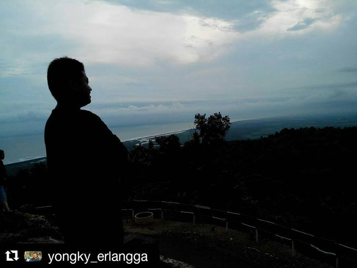 #Repost @yongky_erlangga  libur?bingung piknik kemana?? jangan kawatir mau maen kemanakarena di Bantul  banyak tempat-tempat yang harus di explore gua jepang  #jelajahbantul  #explorerbantul  #jelajahjogja #jelajahyogyakarta #bantul #bantulprojotamansari #minggonblusukan6 by Jelajah Bantul
