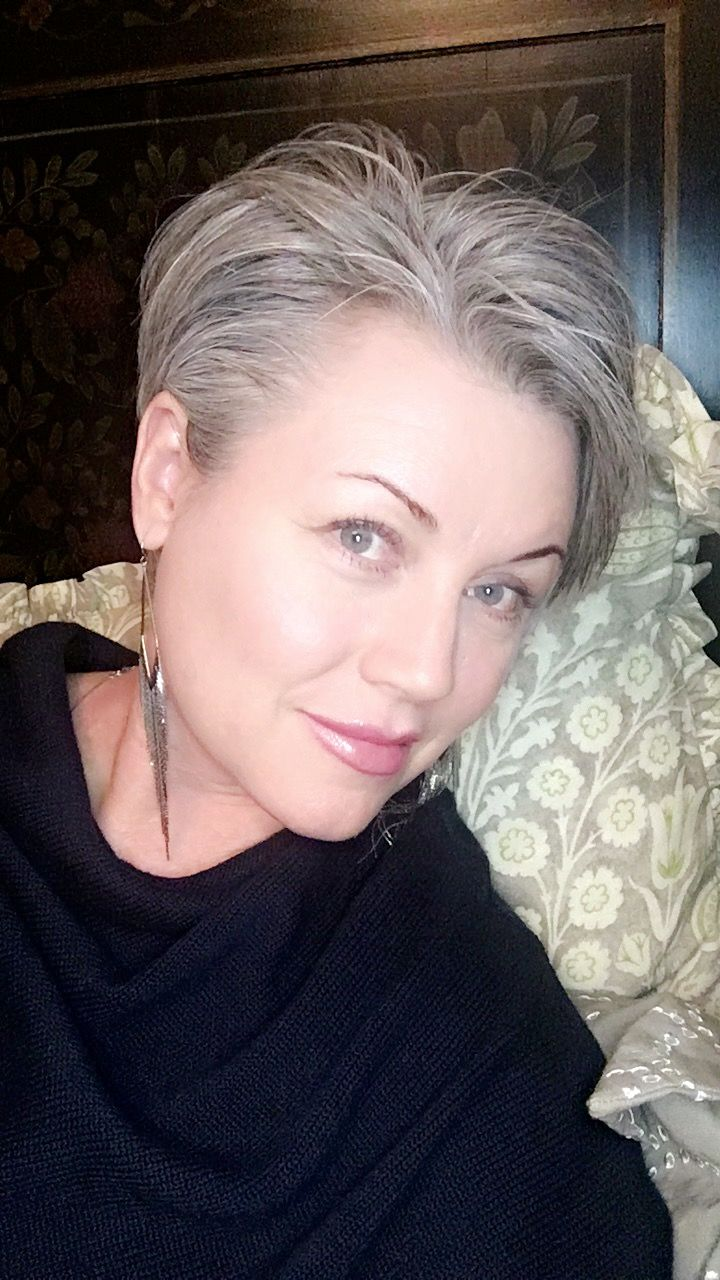#pixiecut #shortgrayhair I tried just pushing it all behind my ear.... and I like it!!
