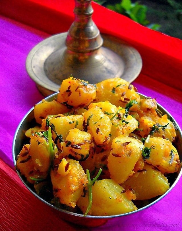 Jeera Aloo – Navratri recipe - Stir-fried potatoes, cumin, coriander, green chili, turmeric, red chili powder, lemon juice, etc.
