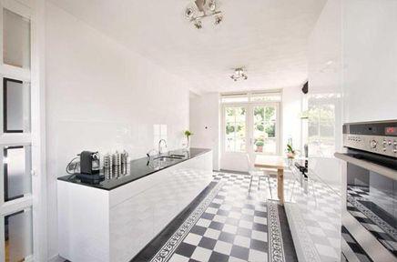 Luxe keuken met portugese tegels home style living room pinterest tile met and van - Keuken met cement tegels ...