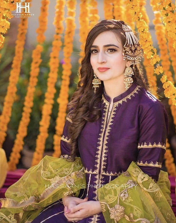 Pin By Sajda On Mayoun Mehndi In 2020 Bridal Lehenga Red Pakistani Dress Design Bridal Dress Design,Wedding Dresses With Long Trains And Sleeves