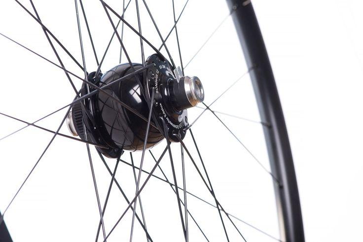 HUNT Bike SuperDura SONdelux Dynamo Disc  |  700c Road/Bike-Pack/CX Wheelset (120kg Rider Weight)   |  1939g  |  24Deep 25Wide front dynamo hub