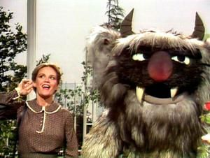 Madeline Kahn meets Doglion on The Muppet Show.