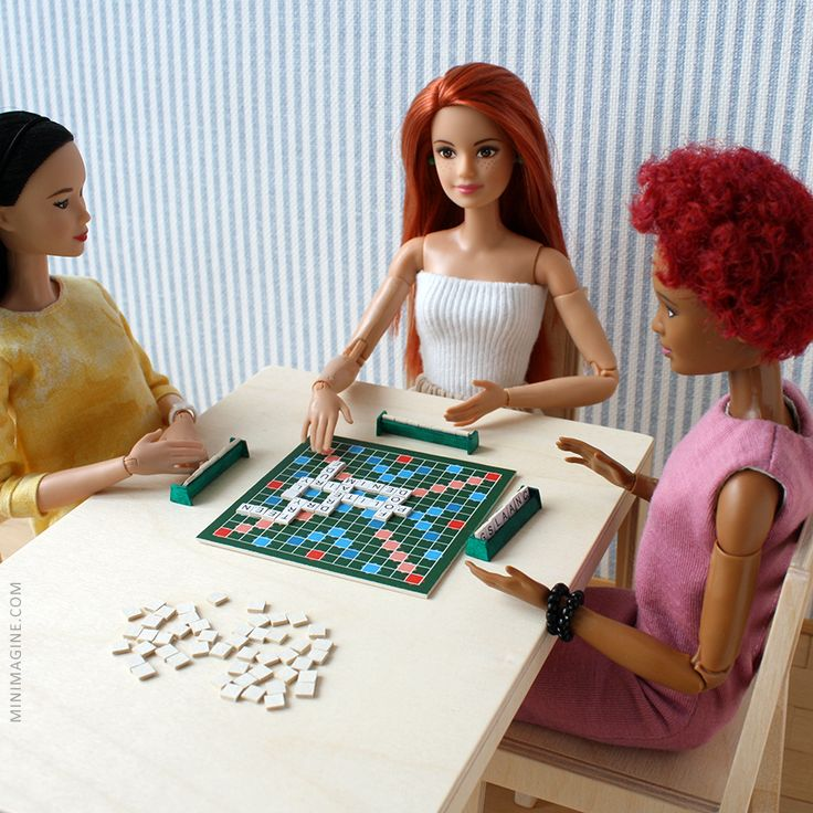 Minimagine: SCRABBLE #barbiemadetomove #madetomove #mtmbarbie #barbiesoccerplayer #barbie #scrabble #playscale #onesixth #diorama #dolldiorama