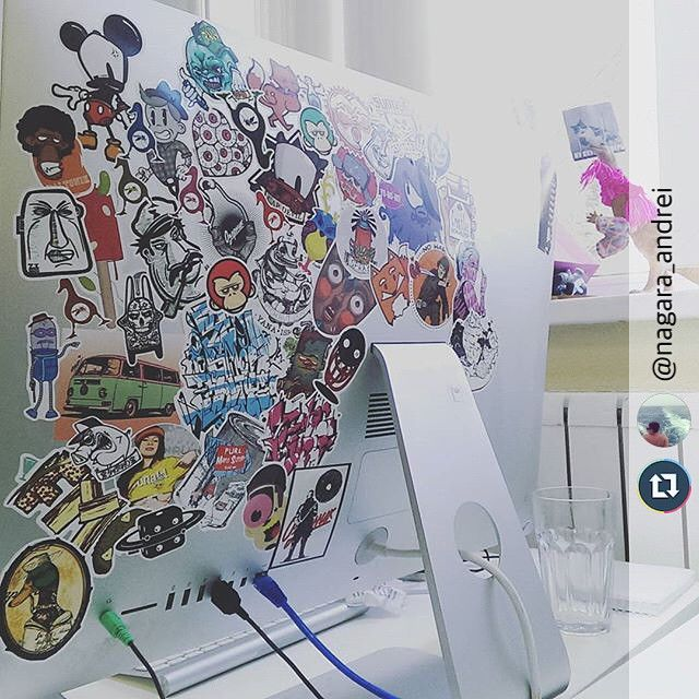 @parazitakusok2: Если вам, как и @nagara_andrei, надоел логотип Apple, обращайтесь!) #parazitakusok #stickers #stickerbombing #streetart #stickerart #stickerbomb #etsy #stickerlove #graffitistickers #stickertrade #laptopstickers #stickerslaps #stickerporn #stickerbook #stickerpack #стикербук #стикеры