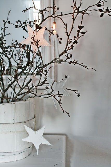 VIBEKE DESIGN OMG!*!*!  White Bucket... White Stars...  Against the Dark Branches ~ Just FaB!!!