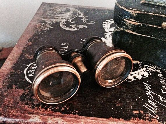 Hey, I found this really awesome Etsy listing at https://www.etsy.com/listing/236657685/antique-opera-glasses-vintage-binoculars