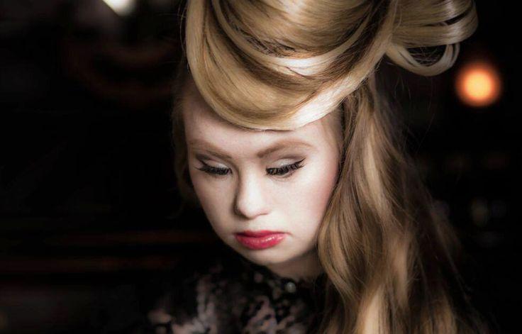 Madeline Stuart a 18 ans et est atteinte de trisomie 21, un handicap qui ne l'empêche pas d'exercer le métier de mannequin. Le site du Huffington Post révèle que la petite Australienne, célèbre dans le monde de la mode, défilera à la Fashion Week de New-York en septembre. Sa maman vient de se...