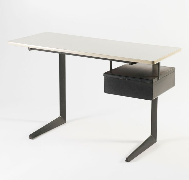 Friso Kramer; Desk for Ahrend Cirkel, 1961.
