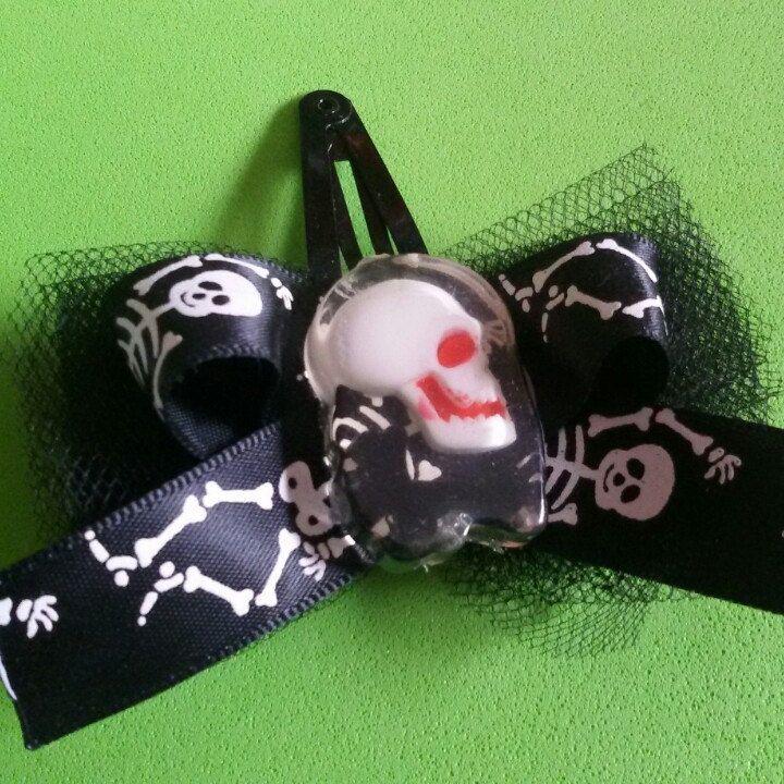 Molletta per capelli con teschio in stile rockabilly horror dark gothic zombie splatter