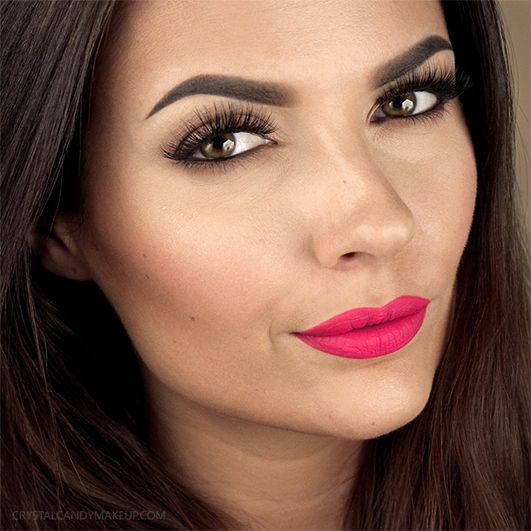 Fuller lips in 5 minutes! @CrystalMakeup will show you how to achieve the perfect pout in no time. // Des lèvres plus pulpeuses en 5 minutes! @CrystalMakeup va vous montrer comment réaliser la lèvre parfaite en peu de temps.