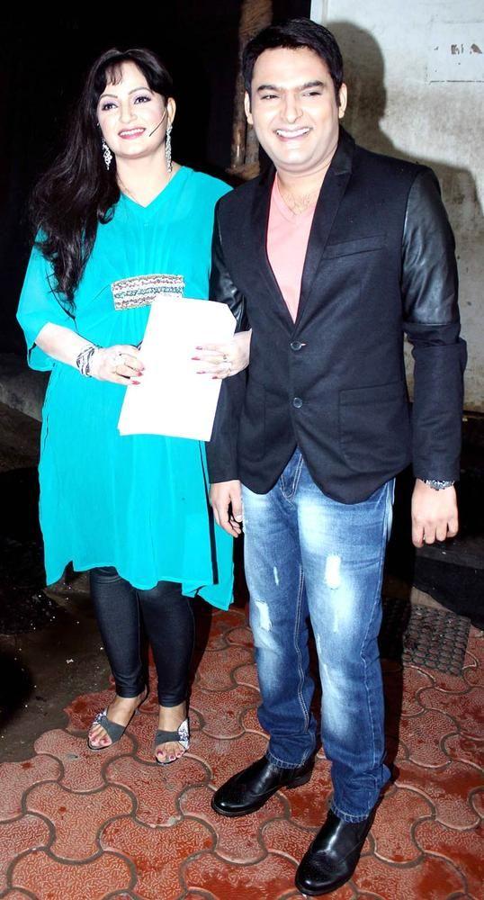 Kapil Sharma with Upasana Singh on 'Comedy Nights with Kapil' #Bollywood #Fashion