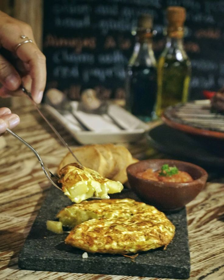 #Bali. A great start for our dinner with @LaFincaBali's special thick and creamy Spanish omelette with potato onion and green paprika and don't forget to add some cheese too.