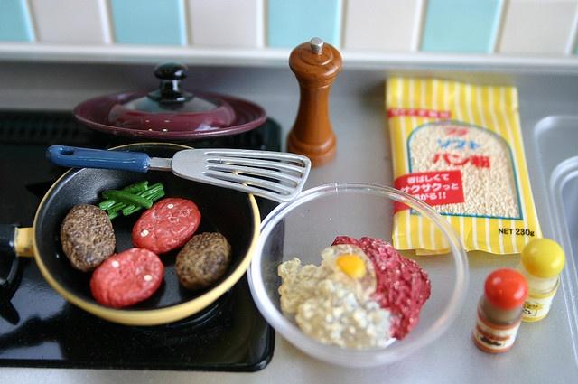 Making Hamburger Steak